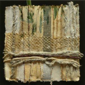 Textiles Paeckchen Collage 32 x 32 cm i.R